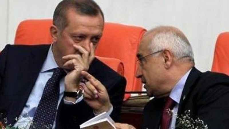 Cemil Çiçek'in o hareketi, Cumhurbaşkanı Erdoğan'ın tepkisini çekti!