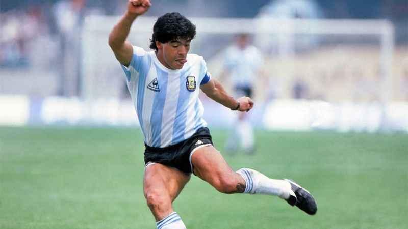 Maradona öldü mü? Maradona kimdir?