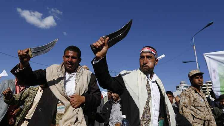 Suudi Arabistan Yemen'e saldırdı! Sana'ya 17 hava saldırısı