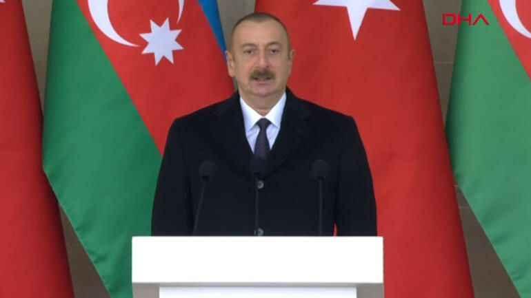Zafer Geçidi Töreni Başladı... Aliyev: Yaşasın Dağlık Karabağ