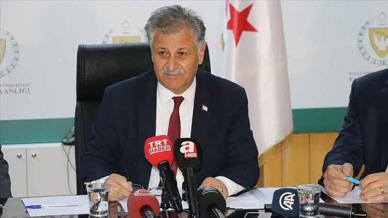 Pozitif vaka ile temaslı olan Sağlık Bakanı kendini karantinaya aldı