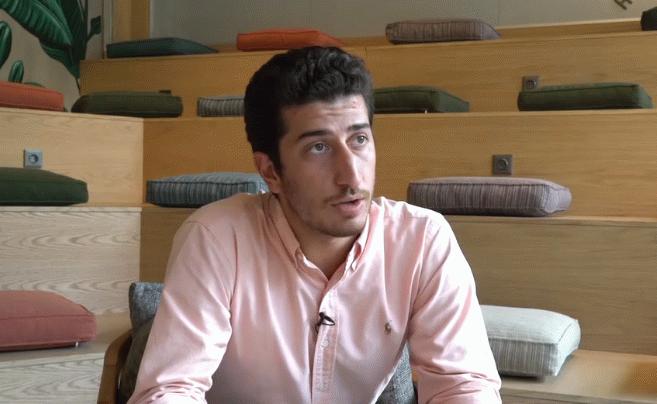 Ahmet Onur kimdir?