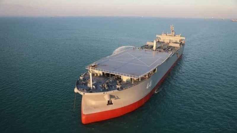 İran'dan ABD'ye göz dağı! Yeni savaş gemisini tanıttı!