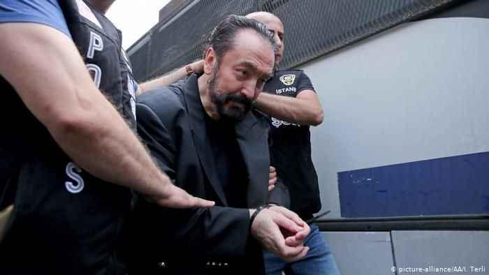 """Adanan Oktar hakkında flaş iddia! """"En fazla 30 yıl hapiste kalır"""""""