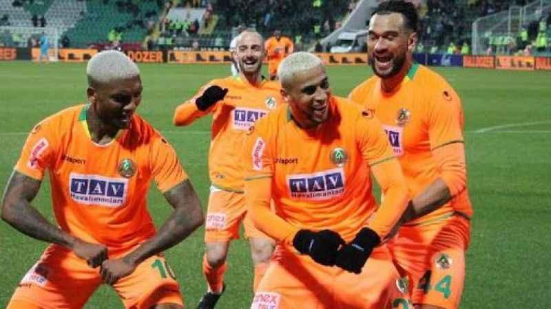 Alanyaspor'da, Kupa'da çeyrek finale hak kazandı!