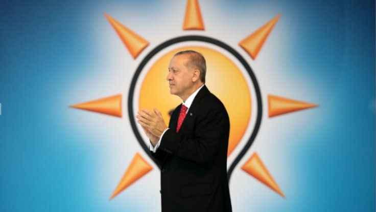 Barlas: AK Parti yönetiminin 2023 seçimlerine gitmesi çok yanlış olur