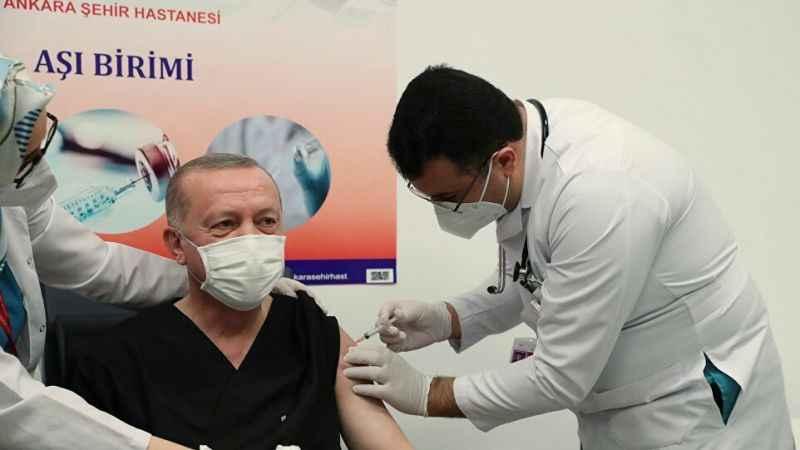 Herkes Erdoğan'a aşı yapan doktoru İmamoğlu sandı!