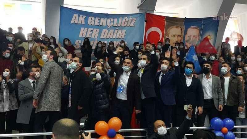 AKP kongrelerinde koronavirüs önlemlerine uyulmadı! AKP kongrelerinde koronavirüs önlemlerine uyulmadı!