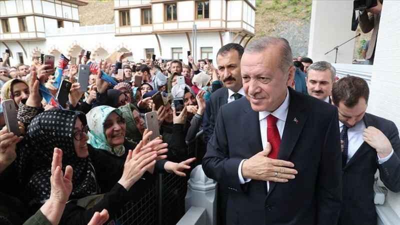 Alpay: Erdoğan ne söylese tebrik edecek kadrolar hazırda bekliyor!