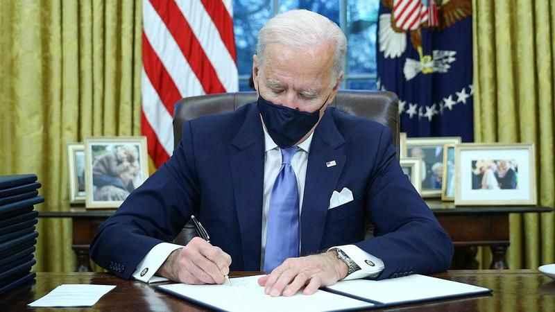 Biden Oval Ofis'te Trump'ın izlerini sildi! Dikkat çeken detaylar!