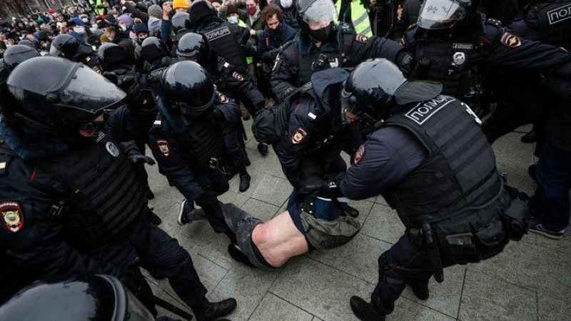 Rusya'dan ABD'ye uyarı! Protestoları desteklemeyin!