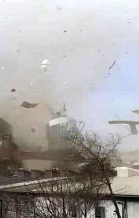 Bursa'da lodos yıktı geçti! Çatı uçtu kaçacak yer kalmadı!