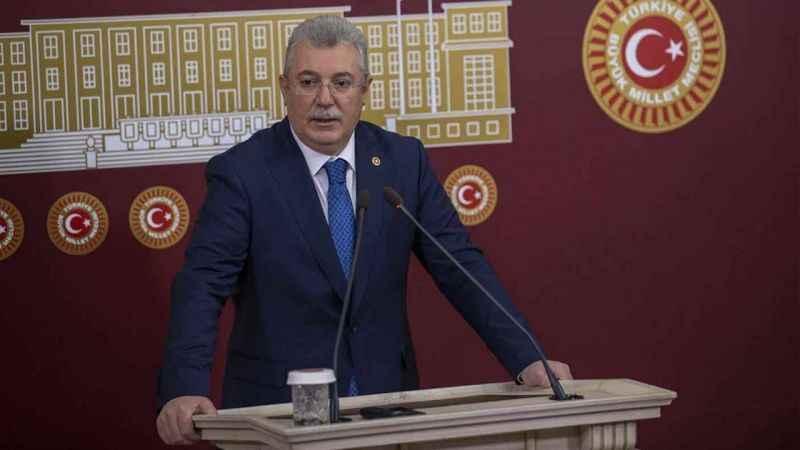AK Parti'den CHP'deki istifalarla ilgili ilk açıklama