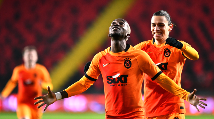 Onyekuru Galatasaray'a tekrardan 'merhaba' dedi