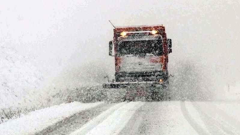 Şiddetli kar nedeniyle 42 köy yolu ulaşıma kapandı