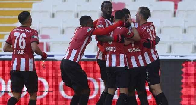 Sivasspor, Kayserispor'u eli boş gönderdi