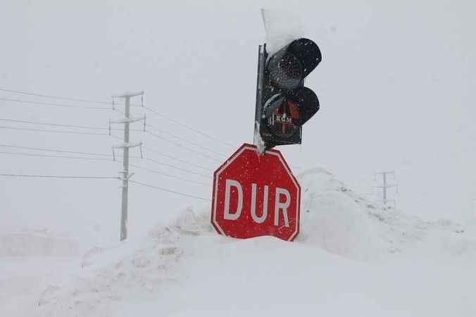 Meteoroloji'den kar ve yağmur uyarısı! O bölgeler için çığ tehlikesi