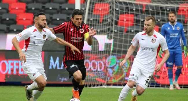 Maçı 10 kişi tamamlayan Gaziantep FK'dan süper geri dönüş