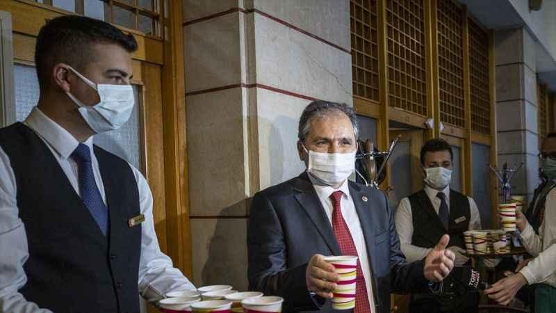"""AKP'li vekilden ilginç açıklama: """"Koronavirüs sırrı Uşak tarhanasında"""""""