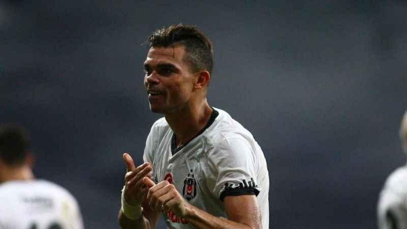 Pepe: Beşiktaş taraftarı futbol tutkusunu hissettiriyor!