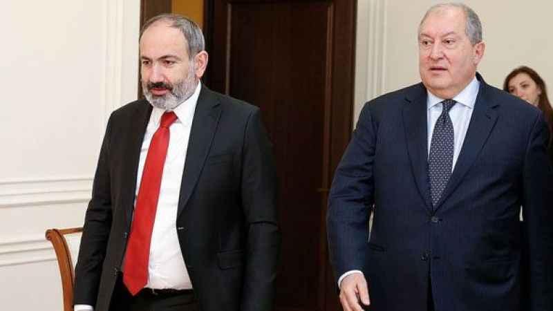 Sarkisyan'dan Paşinyan'a bir kez daha ret! Orduyu yine değiştiremedi