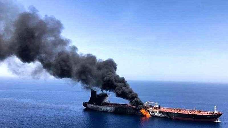 Siyonist İsrail 12 İran petrol tankerini vurdu!