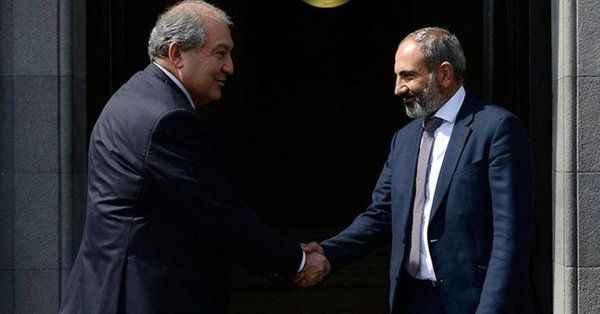 Son Dakika: Ermenistan Cumhurbaşkanı Sarkisyan hastaneye kaldırıldı