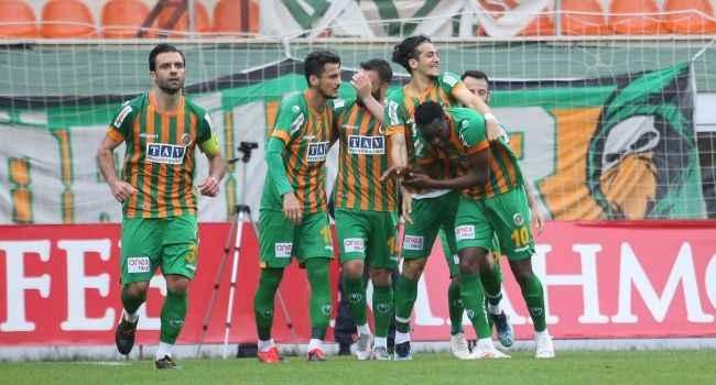Alanyaspor'dan Antalyaspor'a farklı tarife: 13 maçlık seri son buldu