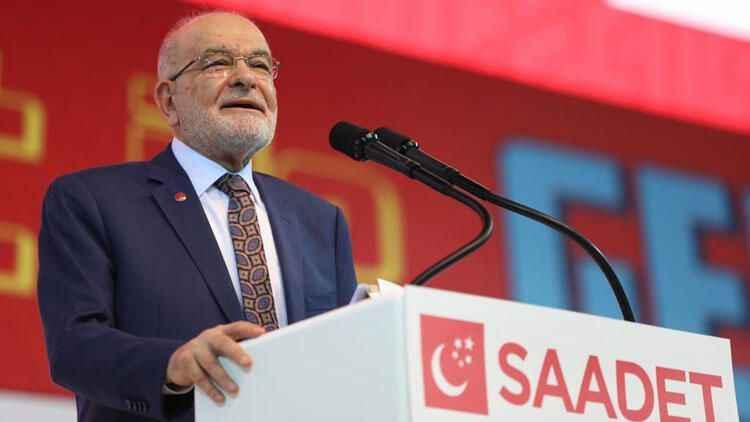 Karamollaoğlu'ndan sağlık çalışanlarının 14 Mart Tıp Bayramını kutladı