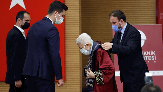 OSTİM Üniversitesi'nden Recai Kutan'a fahri doktora
