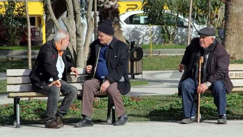 Türkiye'nin en uzun yaşanan illeri belli oldu: İlk üç aynı bölgeden...