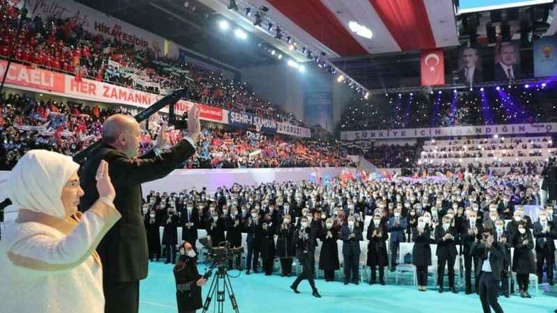 AKP'li Özkan'dan kongre açıklaması: Vaka artışı falan olmayacak