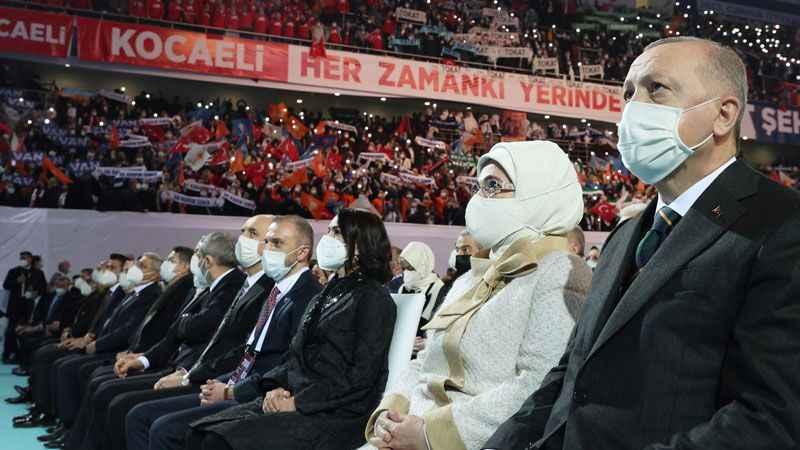 """""""FETÖ'yle iş birliği yaptık"""" diyen isim AKP MKYK'sında!"""