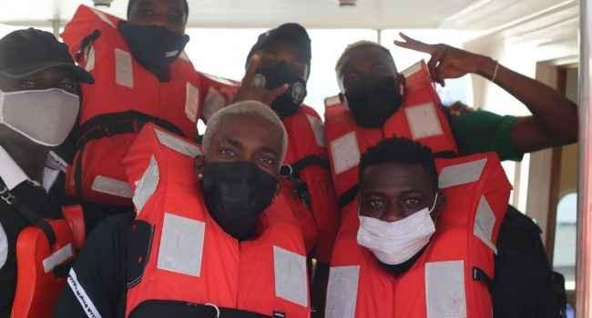 Nijerya Milli Takımı, deplasmana tekneyle gitti