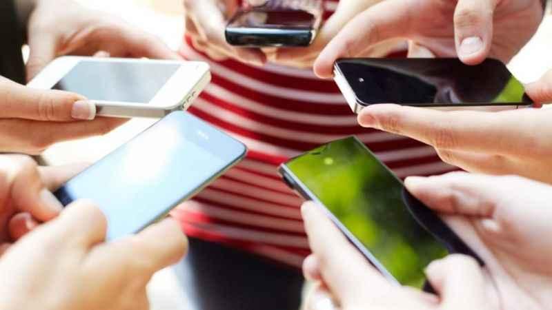 Çip krizi dev firmaları vurdu: Akıllı telefonlara zam geliyor!