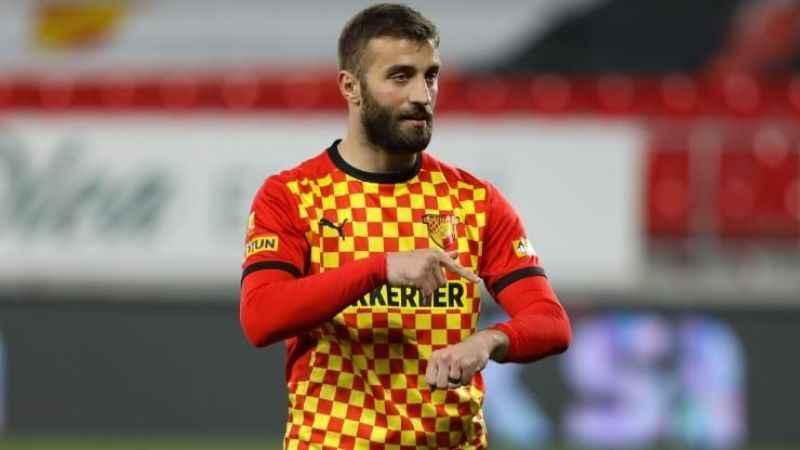 Alpaslan Öztürk, Galatasaray ile anlaştı