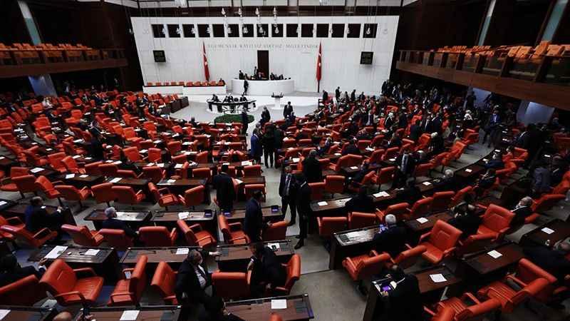 Milletvekillerine dil kursu! Yarısını Meclis karşılayacak...