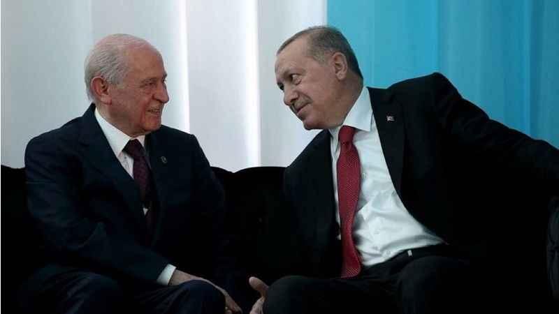 MHP'li Semih Yalçın, Bahçeli'nin Erdoğan eleştirilerini böyle savundu!