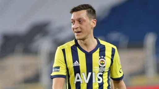 Mesut Özil'den Kevin Prince Boateng'e telefon!