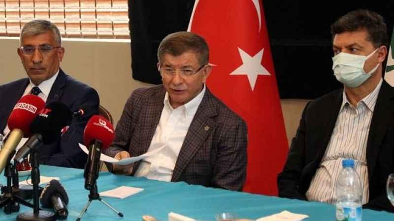 Ahmet Davutoğlu: Krediyle halkı daha fazla borçlandırmayın