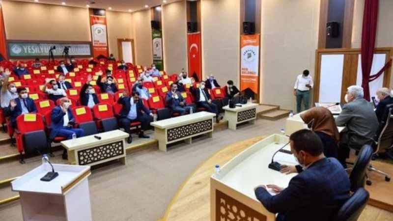 AKP'li belediyenin Almanya'ya gönderdiği 45 kişiden 43'ü geri dönmedi