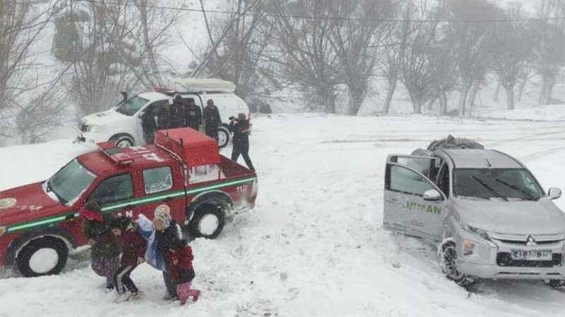 Kar ve tip etkili oldu! Mahsur kalan 117 kişi kurtarıldı