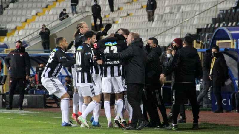 Beşiktaş, Sergen Yalçın ile uçuşa geçti!