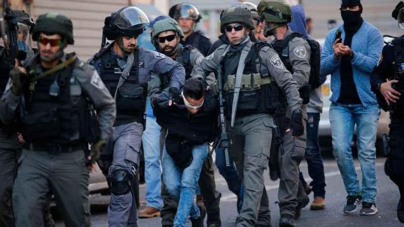 İsrail 25 Filistinliyi gözaltına aldı! Hamas yöneticileri de var!