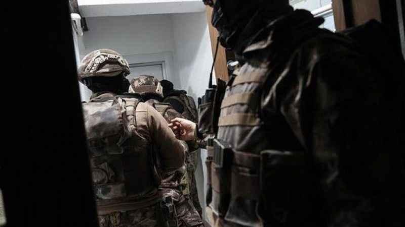 Kırmızı bültenle aranan DEAŞ'lı terörist İstanbul'da yakalandı