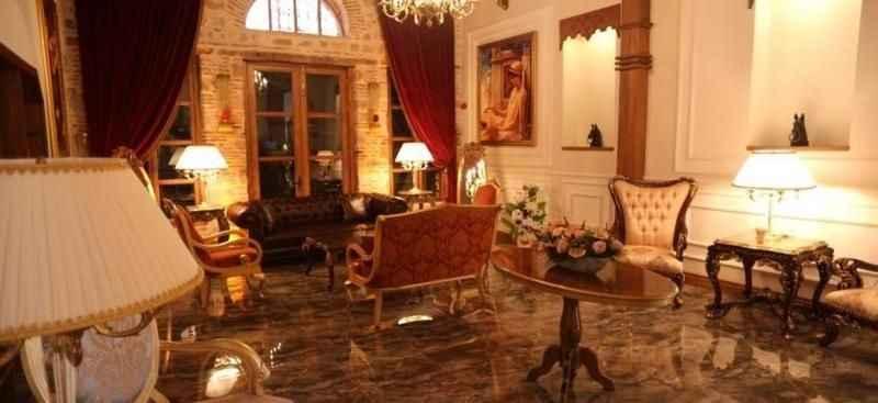 Martı Resort Otel ile La Perla Otel bankaya satıldı