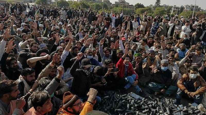 Fransa'dan Pakistan'daki vatandaşlarına ülkeyi terk edin çağrısı