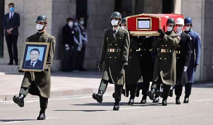 Eski Başbakan Yıldırım Akbulut için Mecliste tören düzenlendi