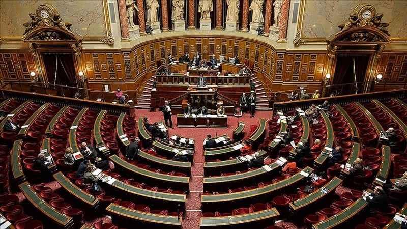 """Fransa'da tartışmalı """"Genel Güvenlik"""" yasa tasarısı meclisten geçti"""