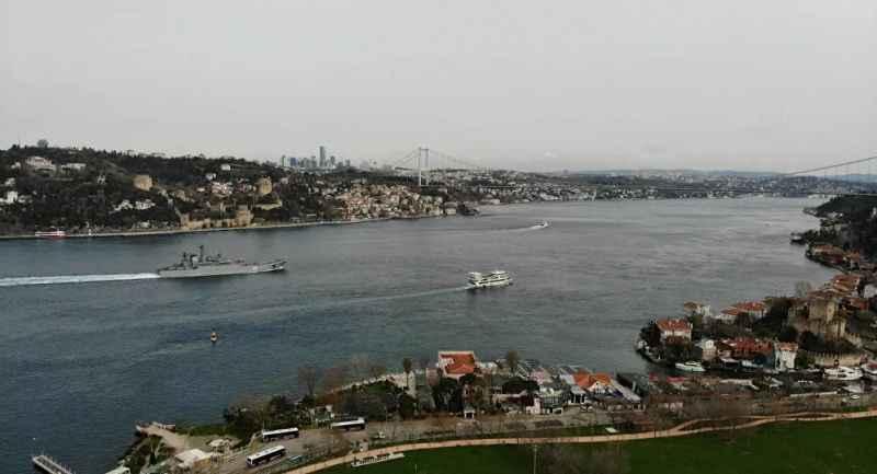 İstanbul Boğazı'nda gergin anlar! Rus Savaş gemileri Boğaz'dan geçti